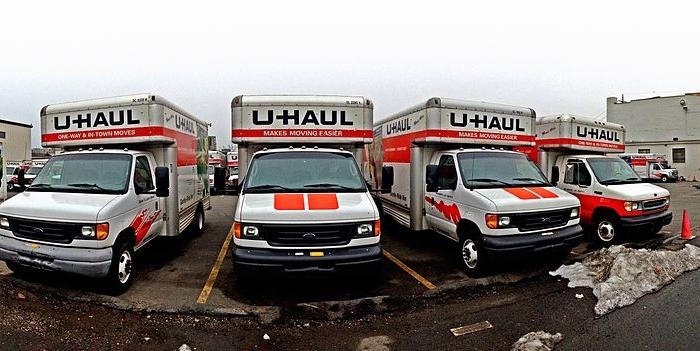 1024px-U-Haul_Trucks,_Stamford,_CT_06902,_USA_-_Feb_2013